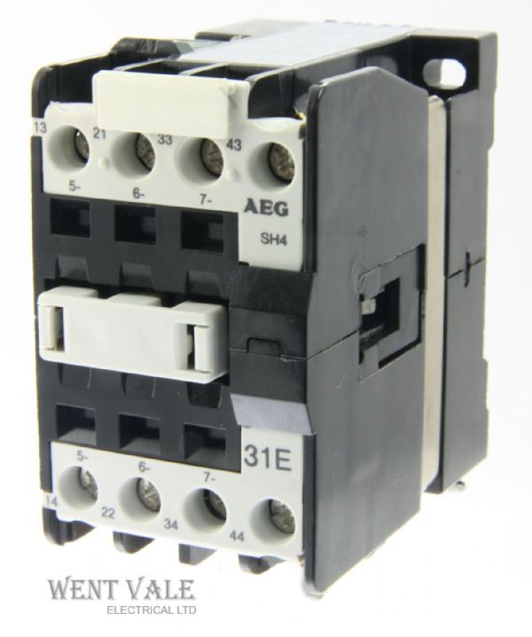 AEG SH4-31E-910-302-552-50 - 20a  Four Pole Control Relay 230vac Coil Un-used